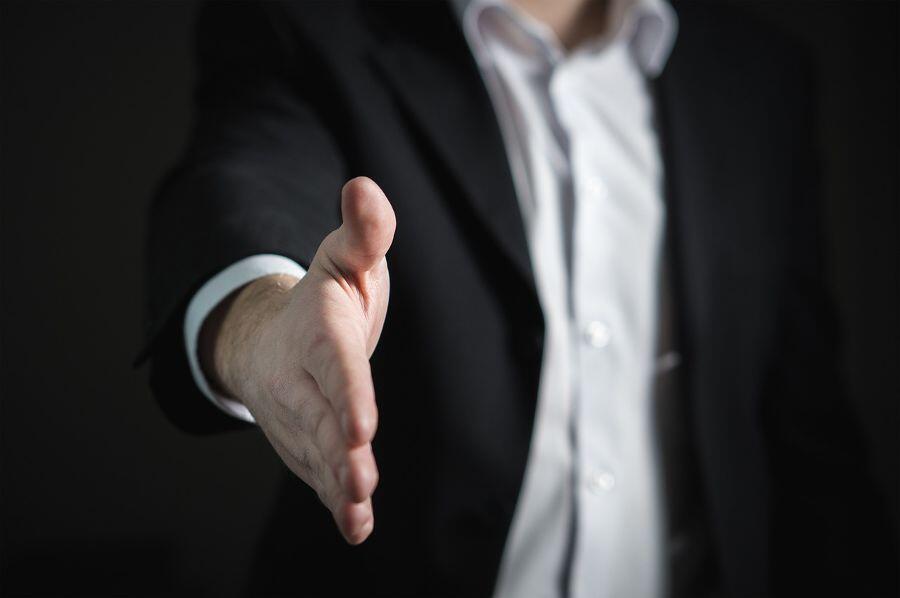 Collaborative leader handshake