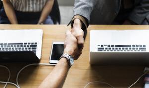 show trust - handshake